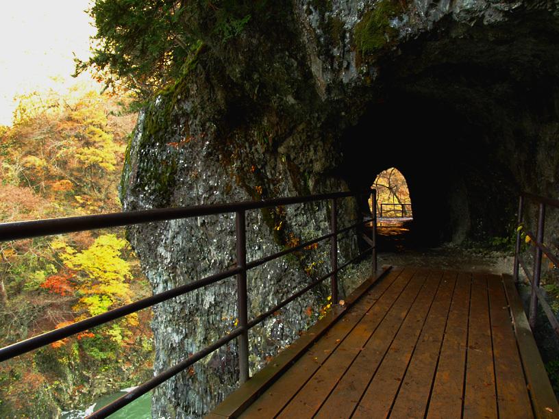 あるトンネル