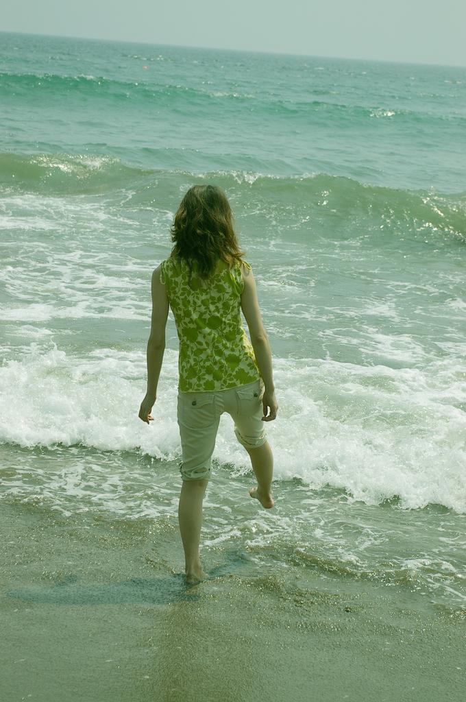 帰り際の波打ち際。