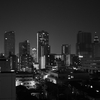川崎夜景をモノクロに