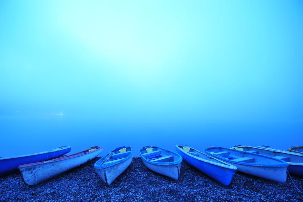 霧の精進湖