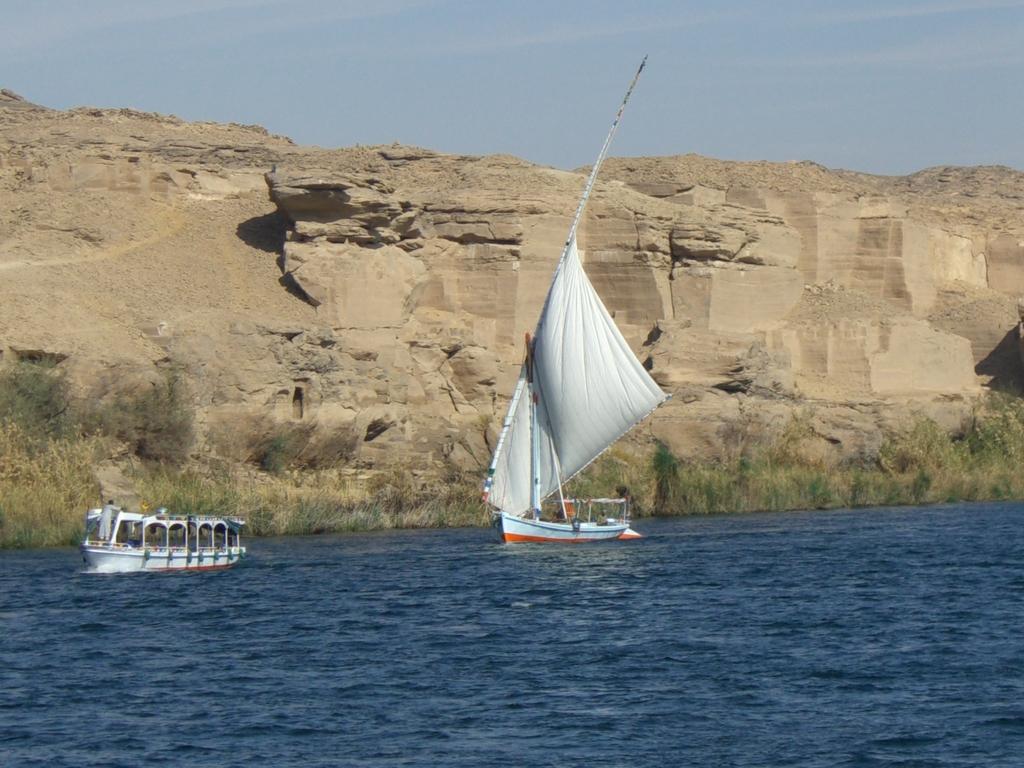 ナイル川とファルーカ