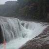 吹き割りの滝DSC00022
