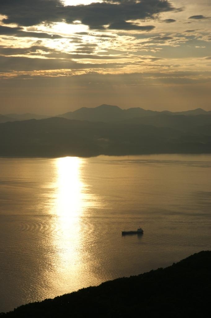 函館湾の夕景