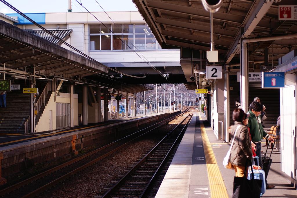 電車待ちのホーム