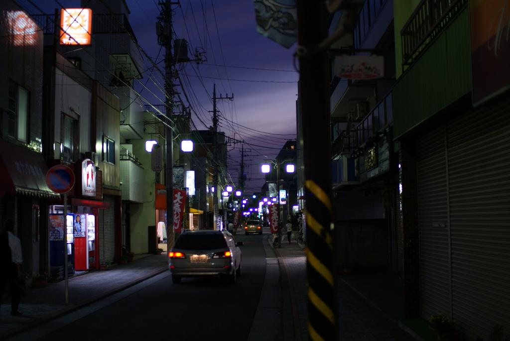 夕暮れの商店街