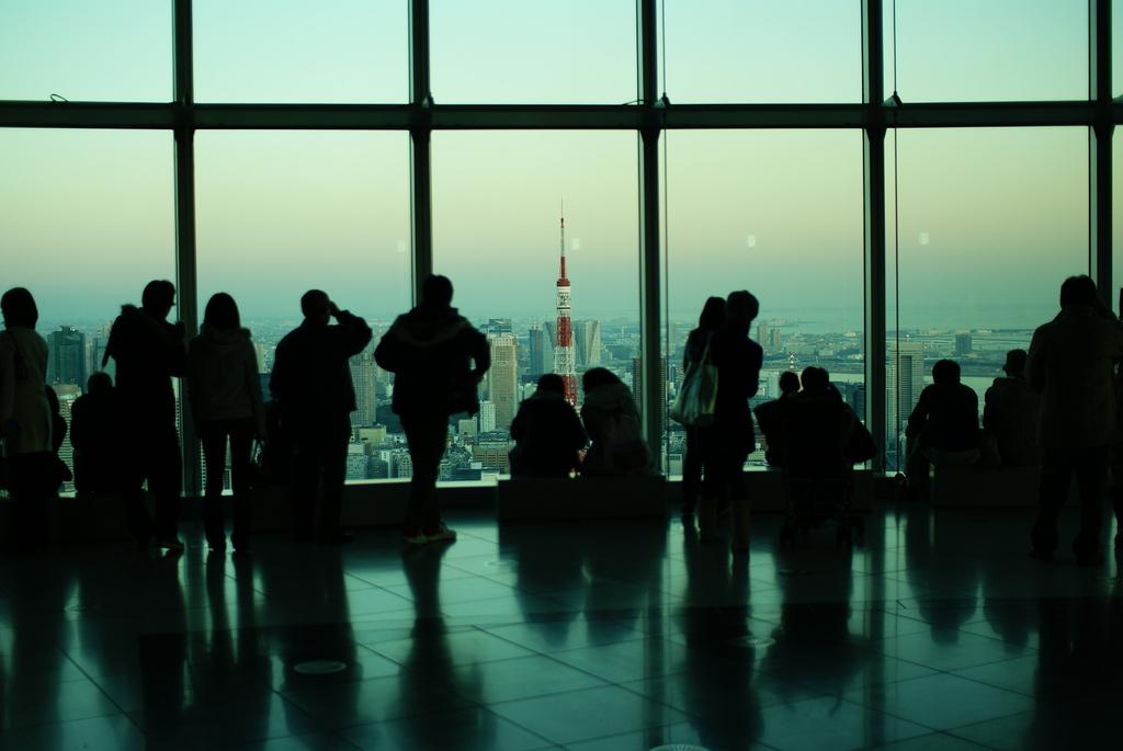 blue tokyo tower2