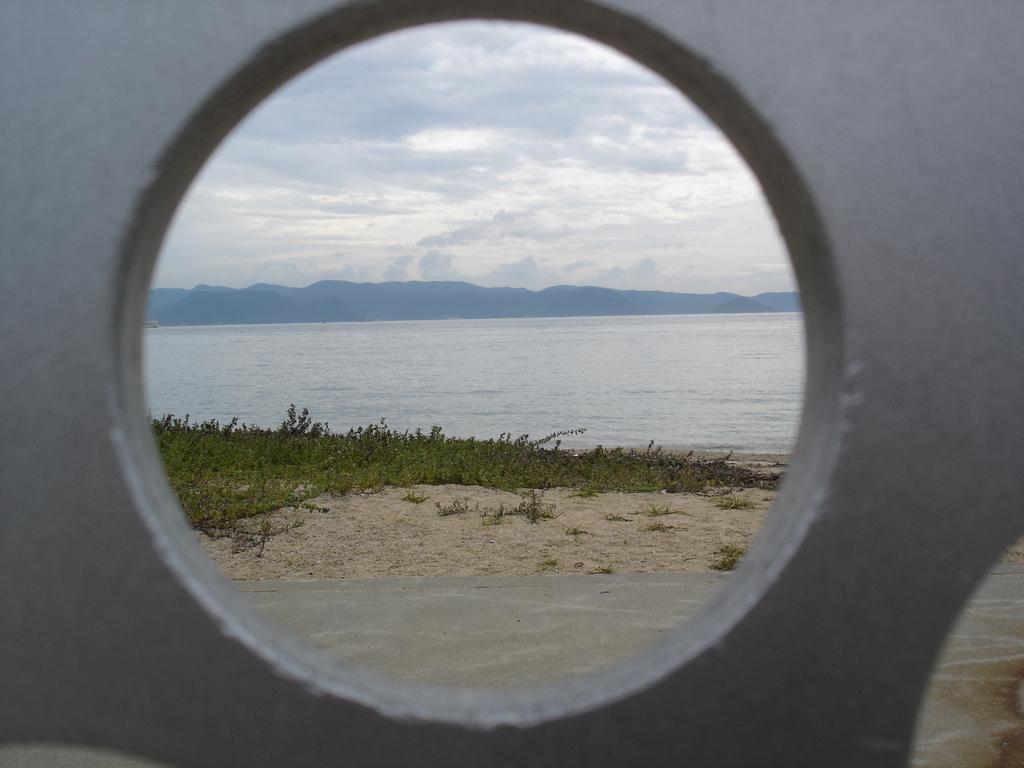 直島の浜辺