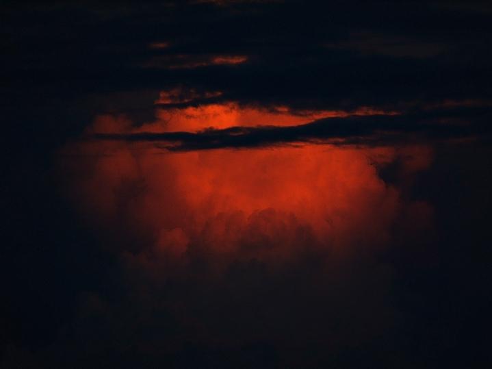 夕焼けの入道雲