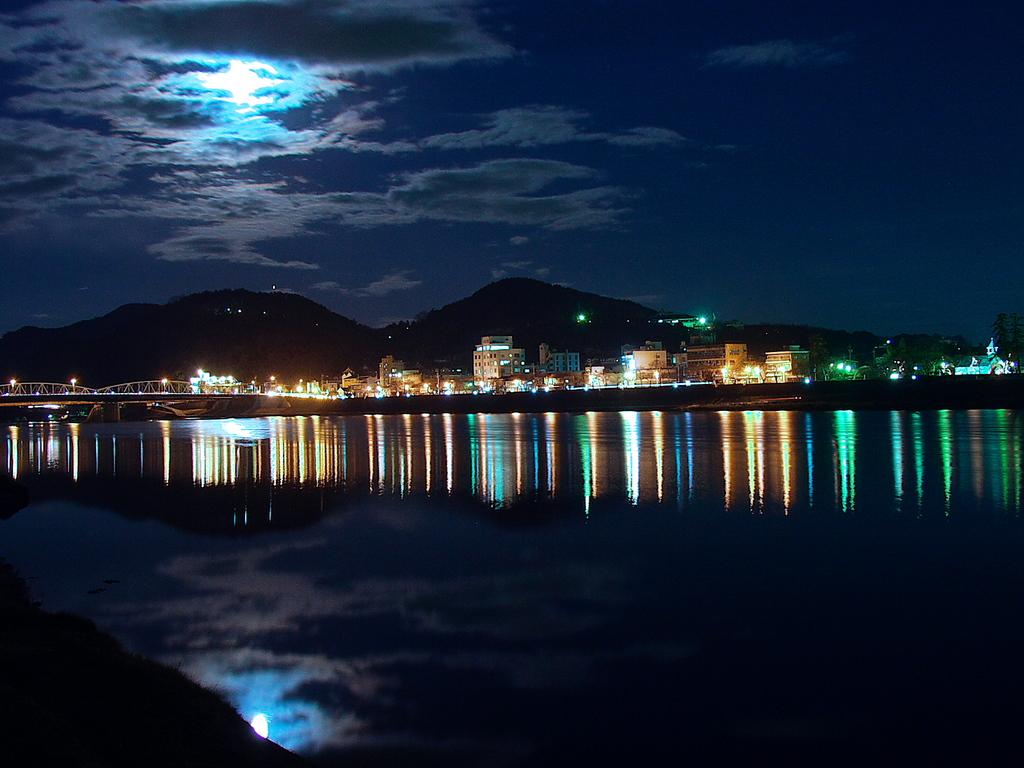 夜の木曽川