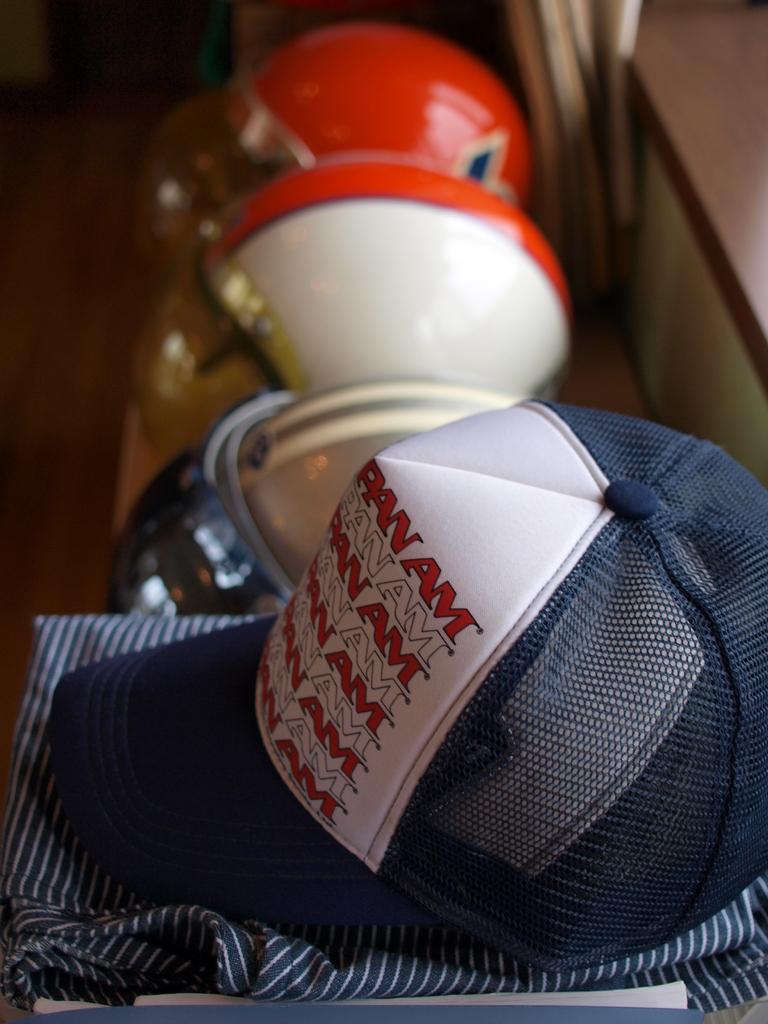 帽子とメット