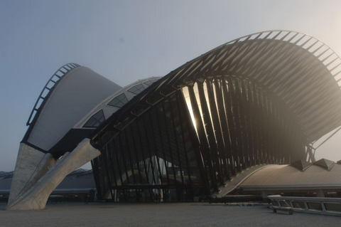 サトラス空港TGV駅