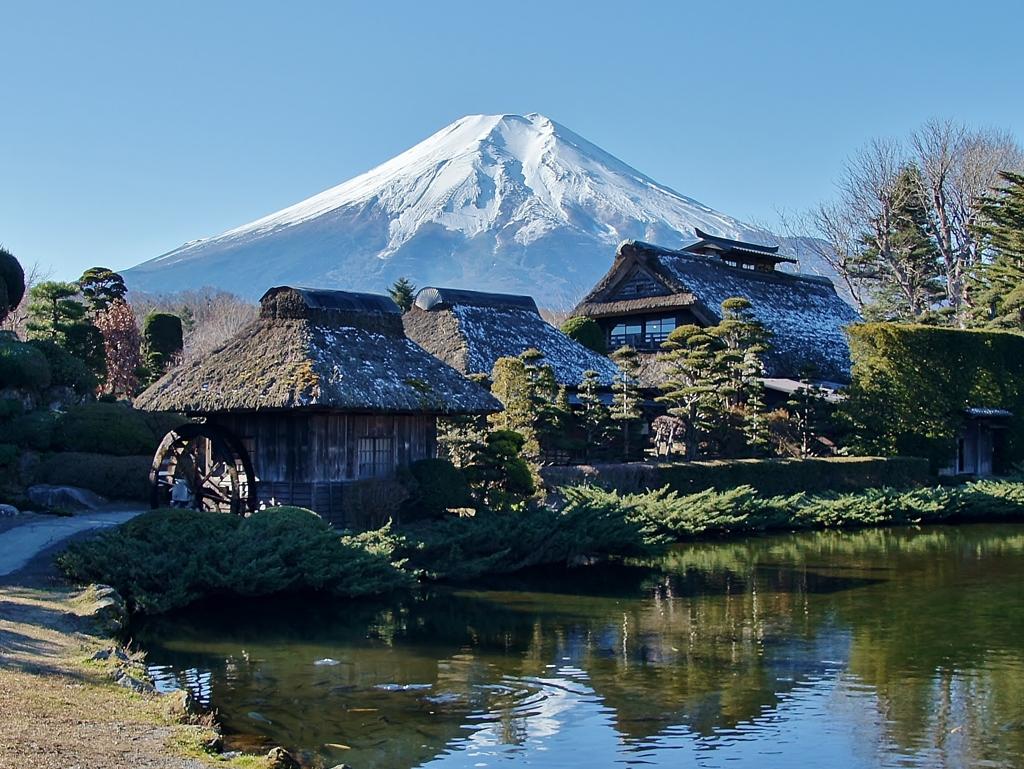 富士山の雪解け水の忍野八海!桜の咲く忍野村へ初 …