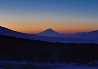 NIKON NIKON D800Eで撮影した(ビーナスベルトと青い夜明け)の写真(画像)