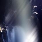 春滝波の光プリズム
