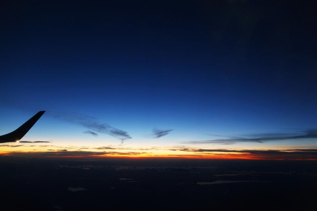 人と写真をつなぐ場所                        hiraaagi                ファン登録        飛行機の窓と夕焼けコメント0件同じタグが設定されたhiraaagiさんの作品タグ撮影情報EXIFデータ撮影地