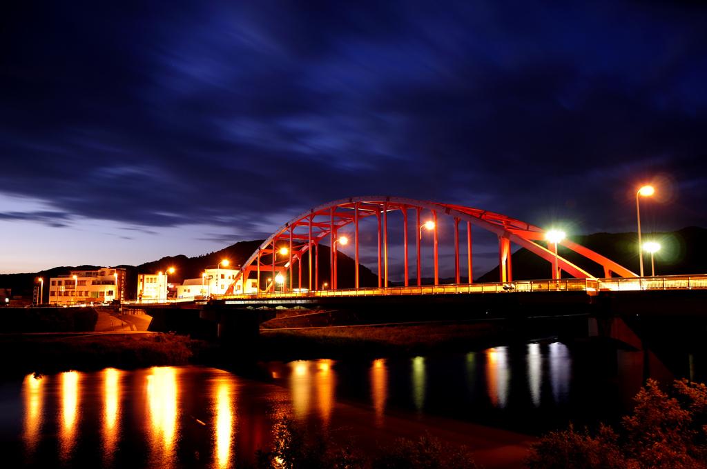 人と写真をつなぐ場所                            maboo                  ファン登録         広島県三次市の巴橋1コメント2件同じタグが設定されたmabooさんの作品最近お気に入り登録したユーザータグ撮影情報EXIFデータ撮影地