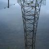 溜り水の鉄塔