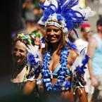 NIKON NIKON D200で撮影した人物(Street Parade)の写真(画像)