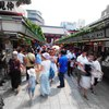 NAKAMISE-dori in hot summer