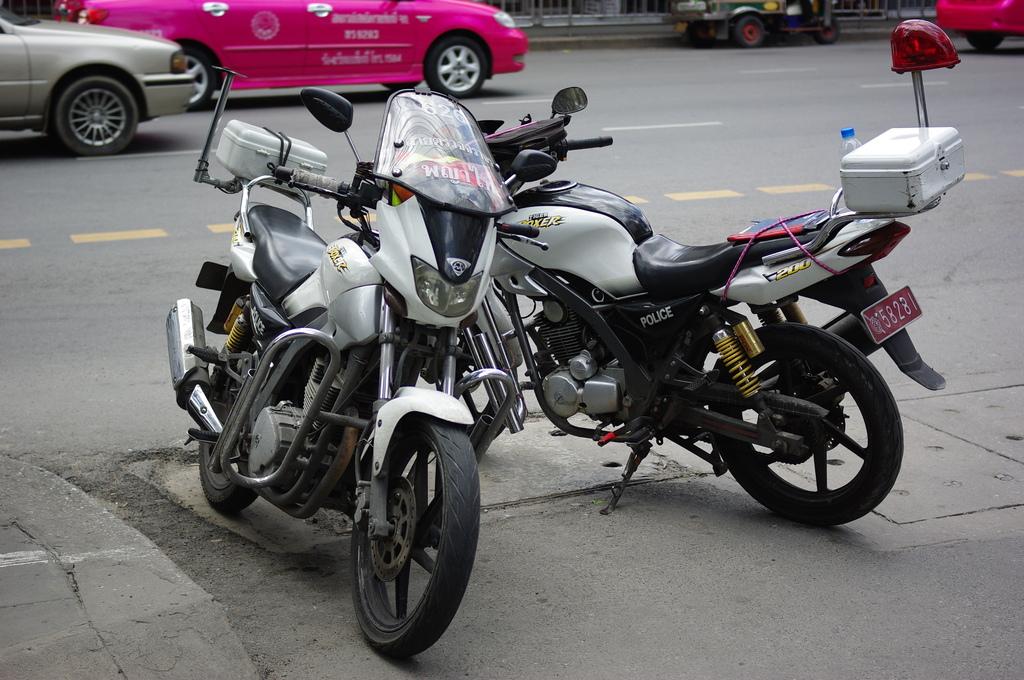 POLICEバイク