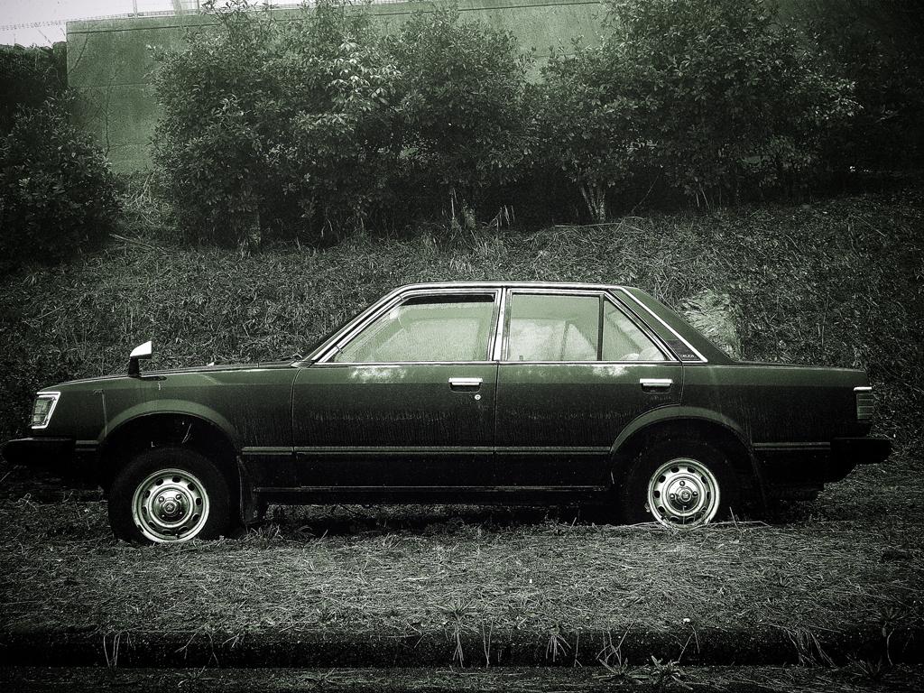 monochrome-car