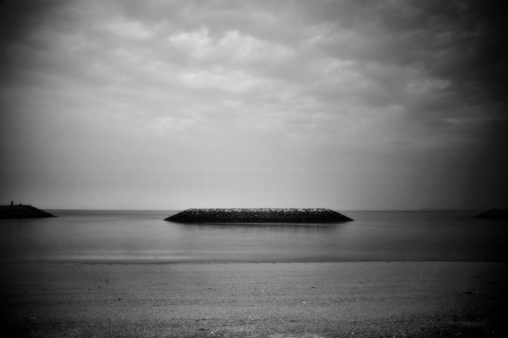 空と海の間