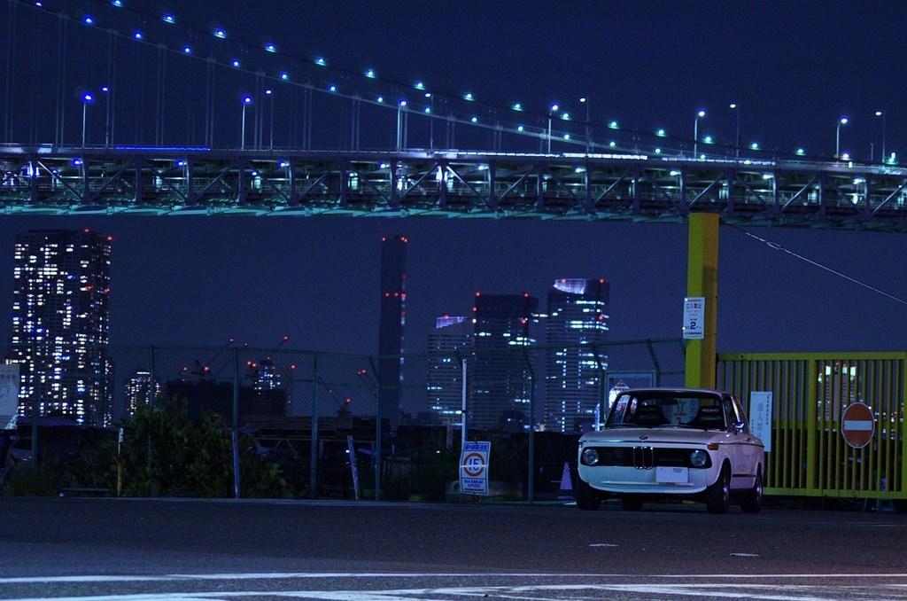 BMW2002tii & Rainbow bridge