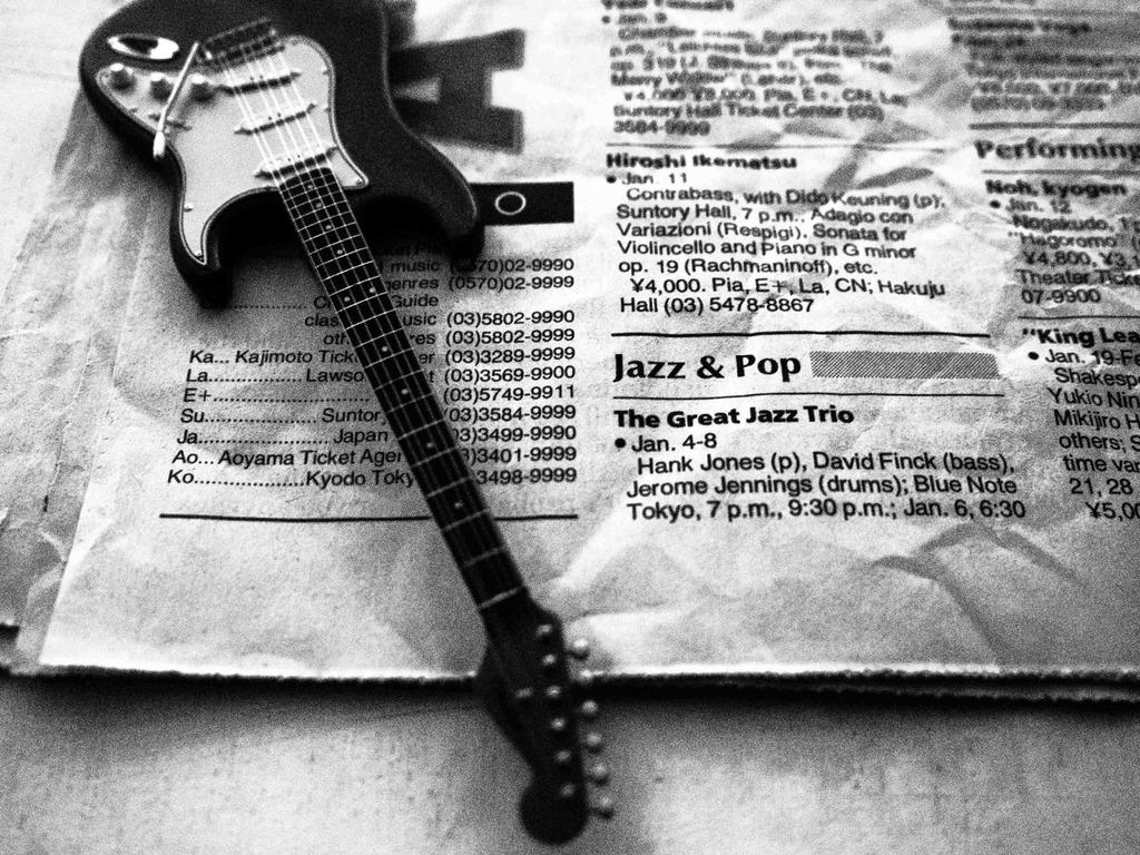 ミニチュアギター