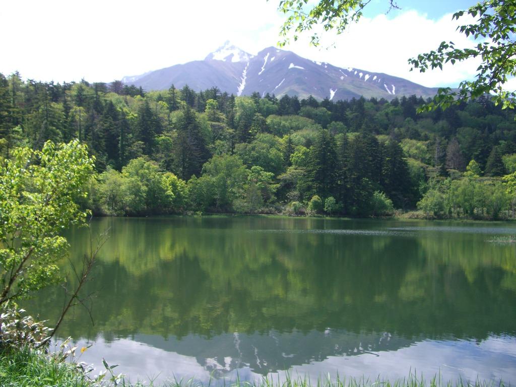 利尻山(オタトマリ沼より)