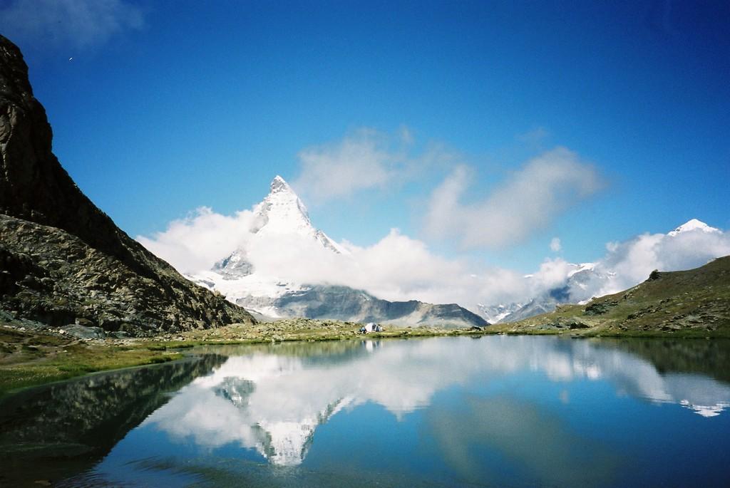 リッフェル湖とマッタ-ホルン(スイス)