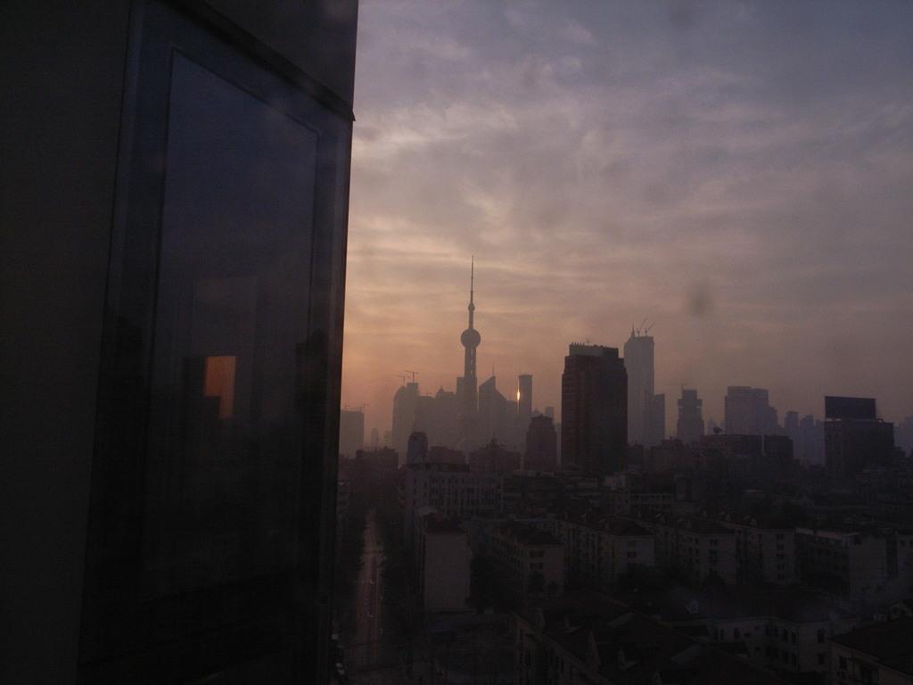 上海の夜明け
