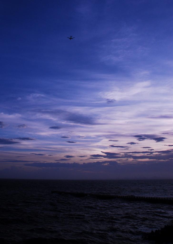 夕暮れ 飛行機 Ⅱ