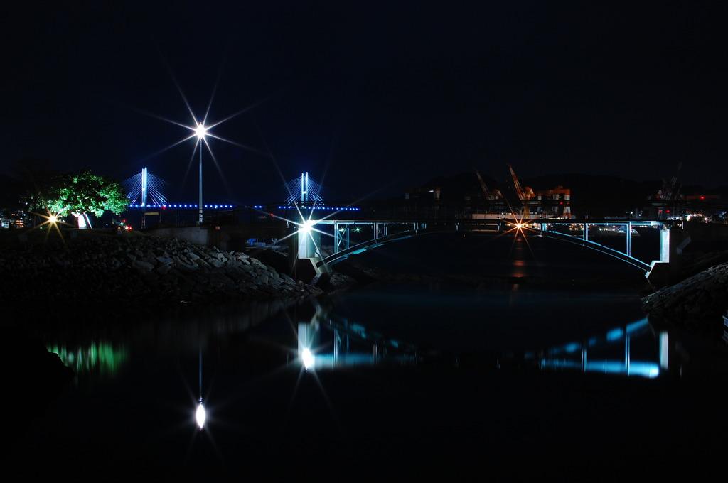 Three Bridges in darkness