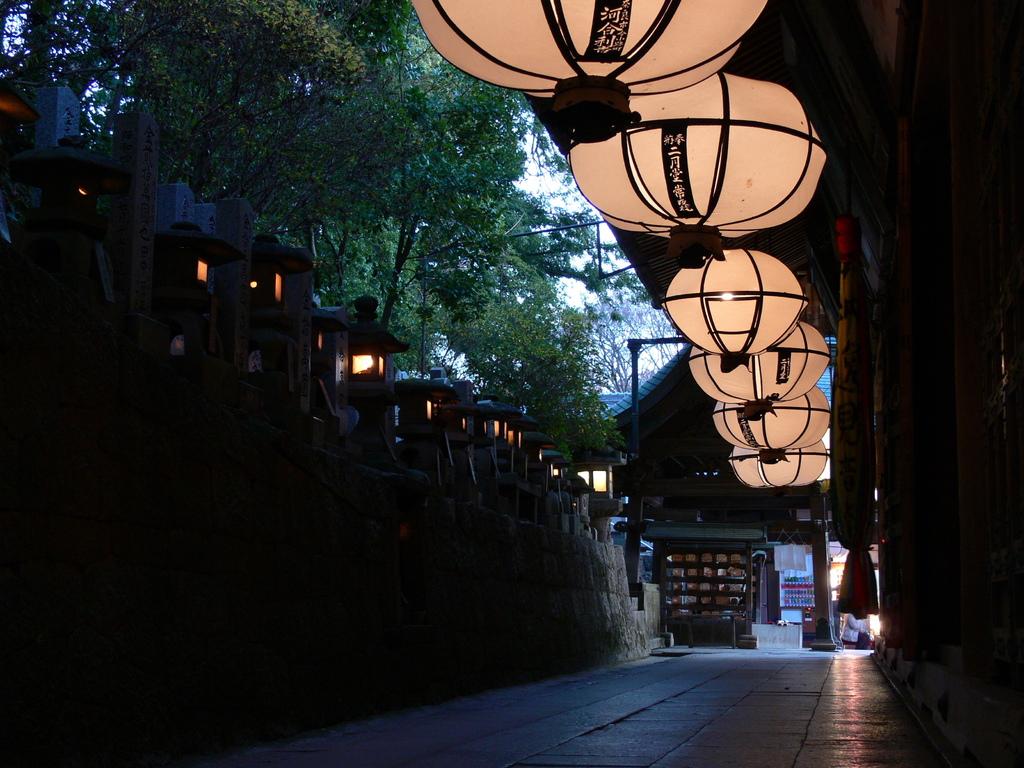 東大寺二月堂の裏