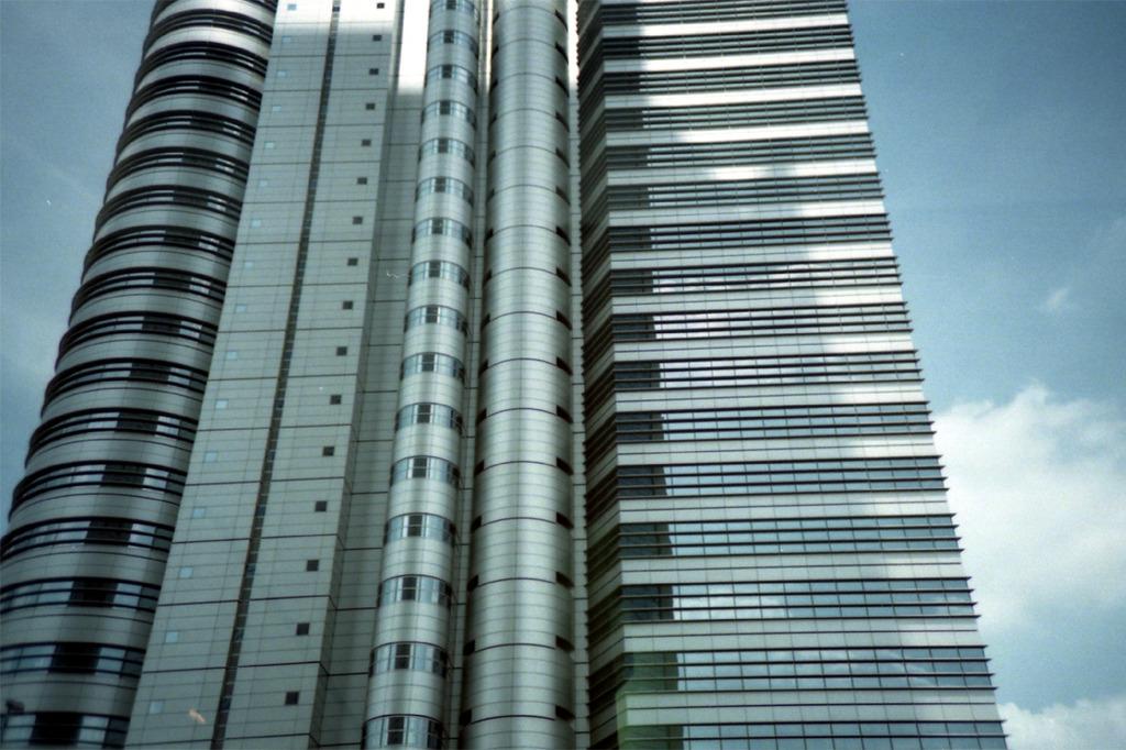 西新宿のビル