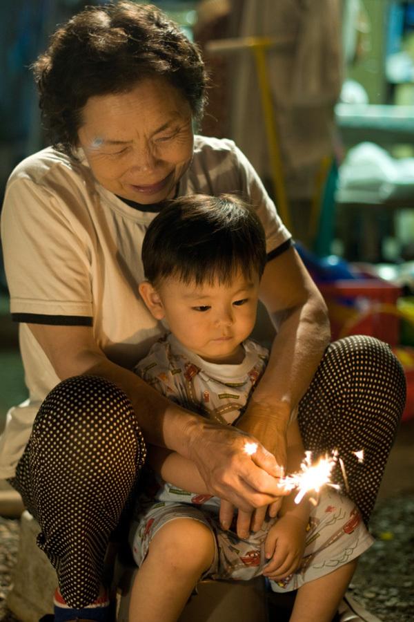 孫との花火