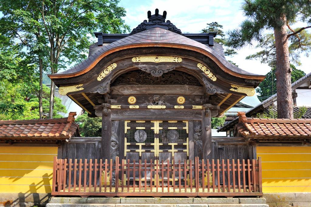 瑞泉寺勅使門