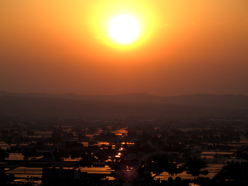 散居村の黄昏