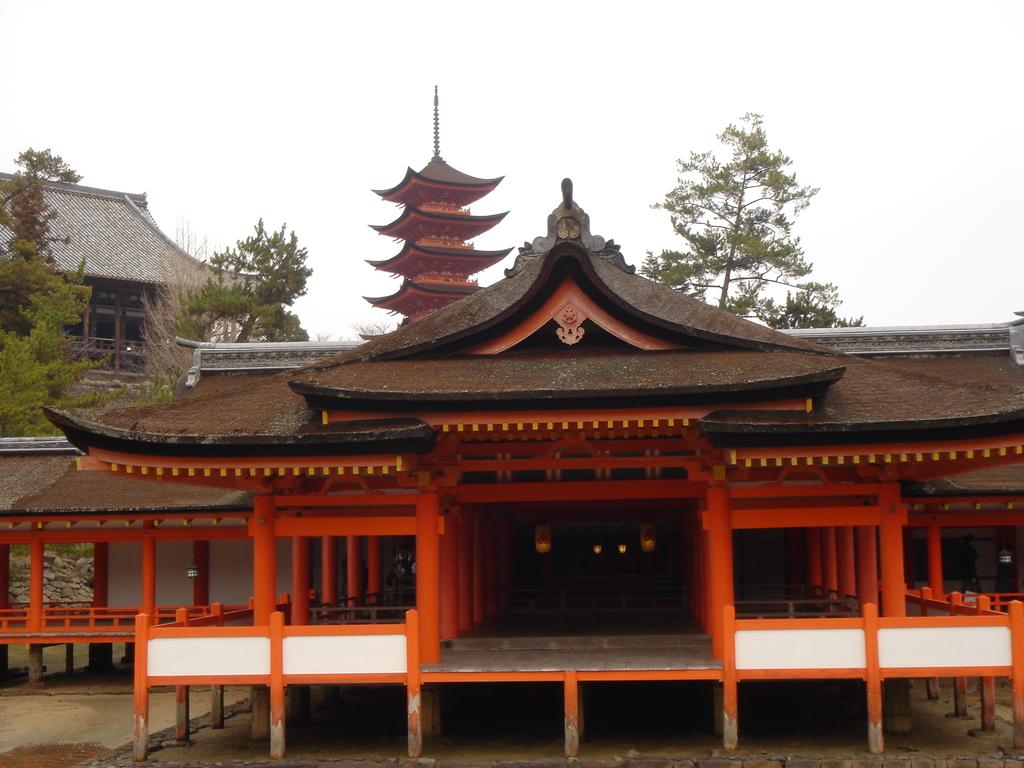 厳島神社の中②
