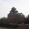 裏からの岡山城