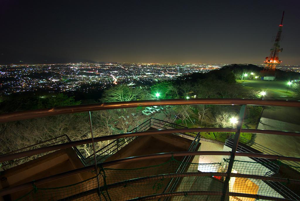 湘南平と平塚市を望む(北東方向)