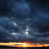 鉛雲の夕焼け