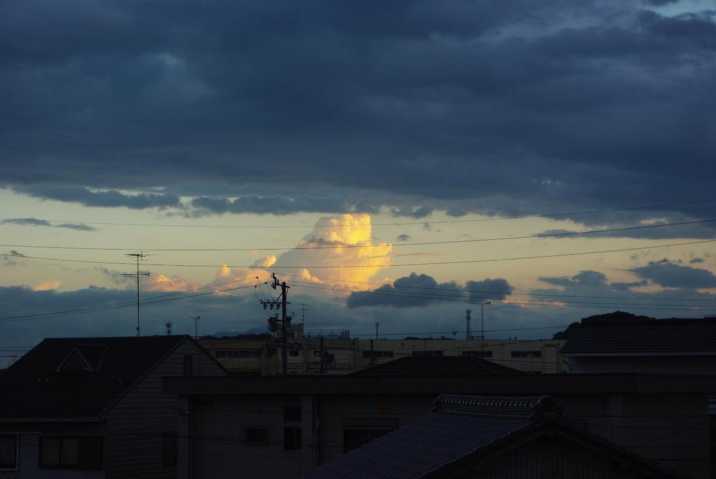 向こうの夕焼け (引き)