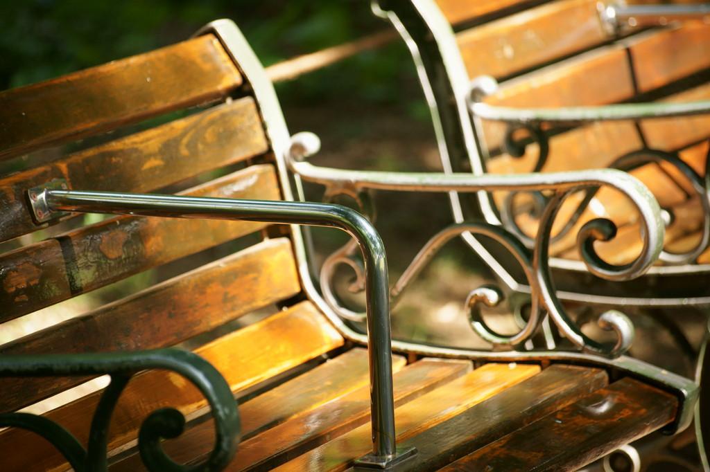 木陰のベンチ -3