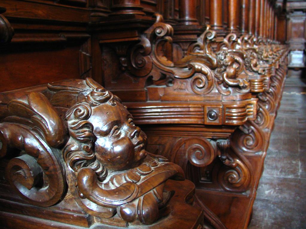 ある教会の椅子