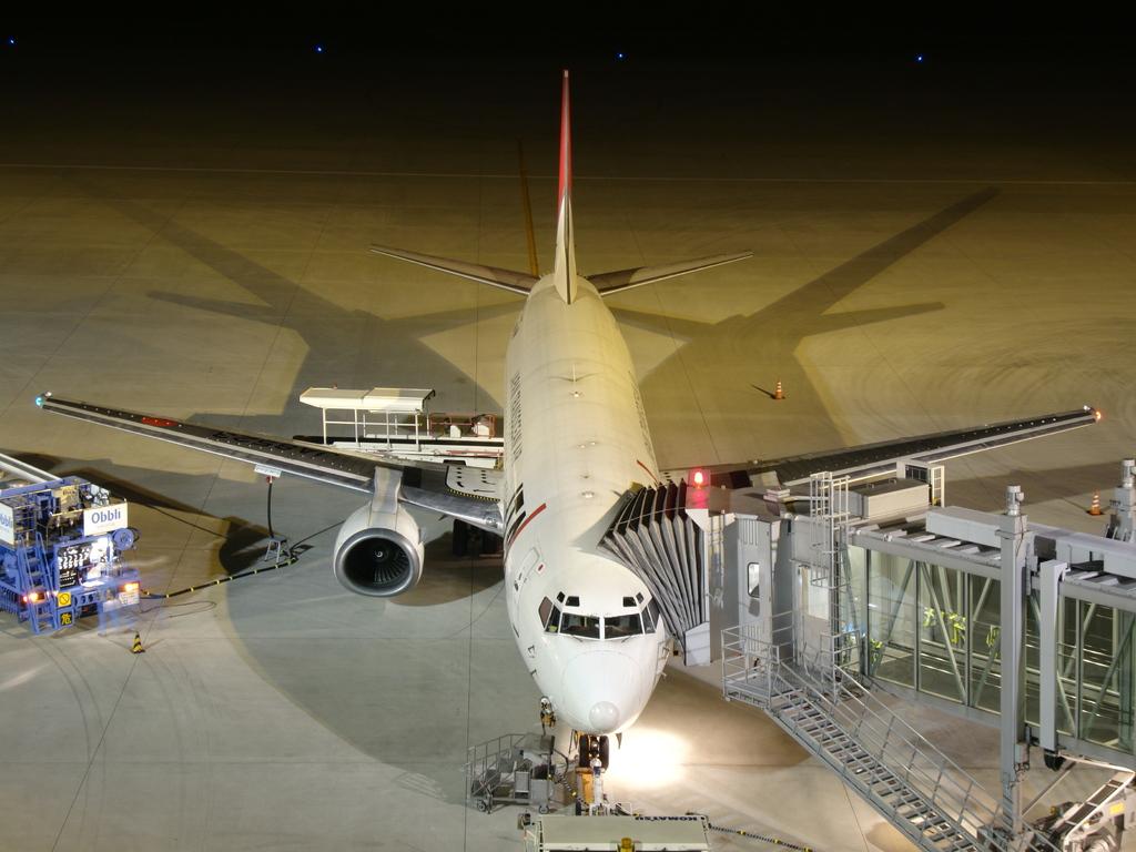 神戸空港にて