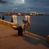 夜の港にて。