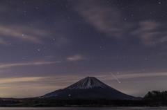 『富士と流星』