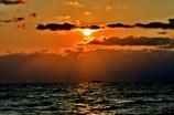 夕日は雲の中へ