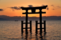 近江厳島夜明け